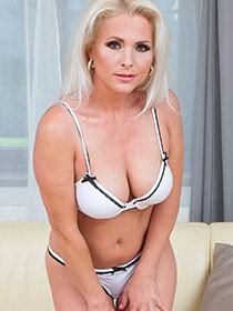 Kathy Anderson VR porn videos