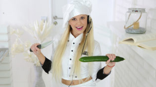 Chef Lola Myluv Doesn't Cook Cucumber