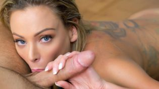 Helping a Roomie Out ft. Isabelle Deltore