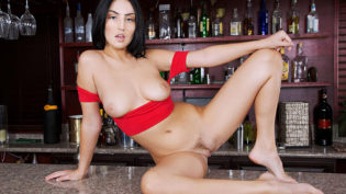 Jade Baker is The Sexiest Barmaid