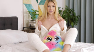 Rebecca Volpetti is A Slutty Bunny